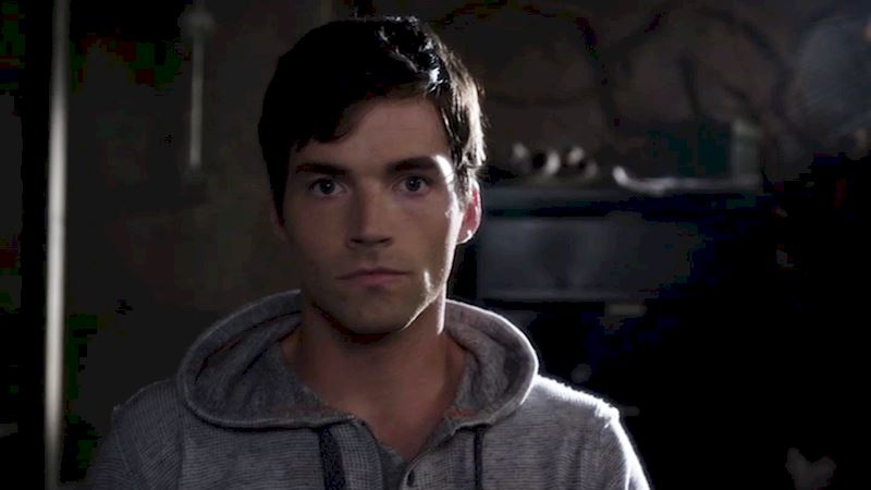 Pretty Little Liars - 13 Times We Were All Left Totally Broken Hearted By Ezra - Thumb