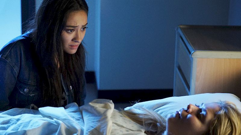 Pretty Little Liars - These Season 7 Photos Have Made Us Even More Excited For The Premiere! - Thumb