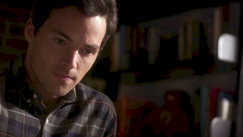 Pretty Little Liars - 14 Things You Might Have Missed In Bedlam! - Thumb