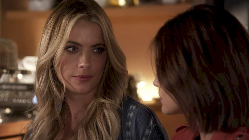 Pretty Little Liars - 10 Things That Only Happen When You Have A Totally Sassy BFF! - Thumb