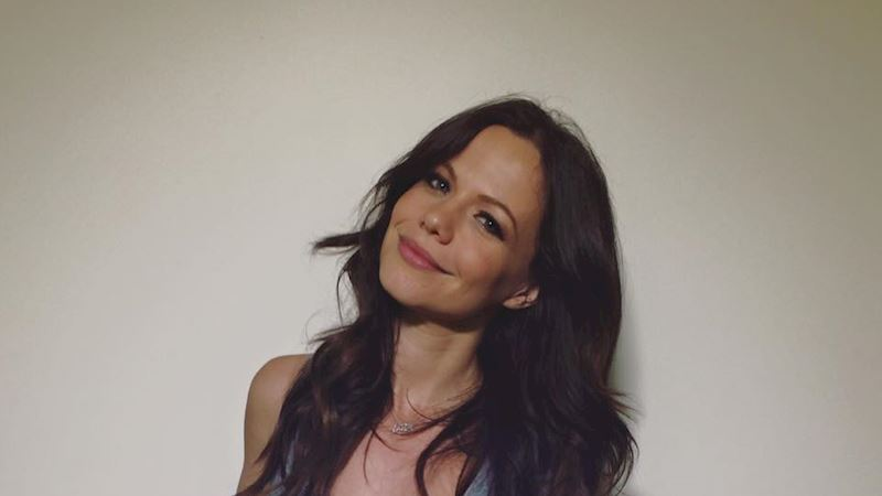 Pretty Little Liars - Tammin Sursok Has A Special Message For The #PLLSquad! - Thumb