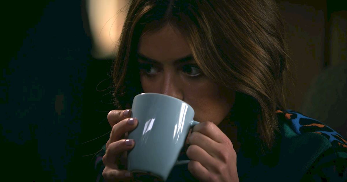 Pretty Little Liars - Our 14 Favorite Blink And You'll Miss Them Moments From PLL Episode 6 - 1001