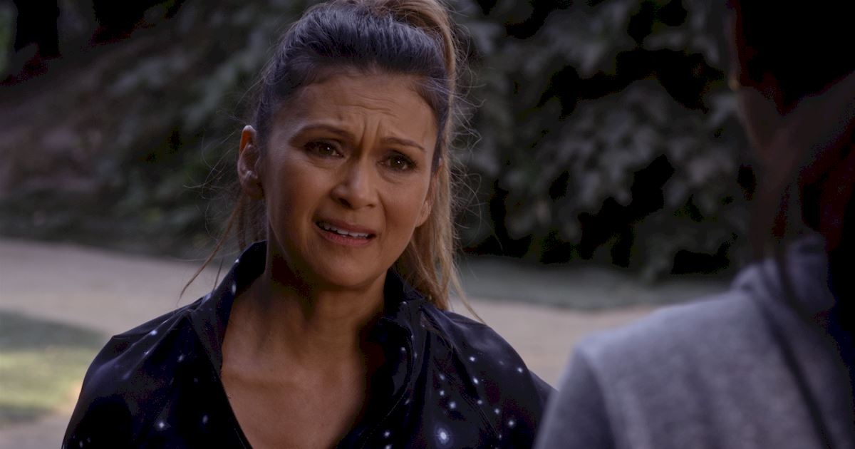 Pretty Little Liars - Check Out Which PLL Mom Has Returned In This Exclusive Sneak Peek! - 1005