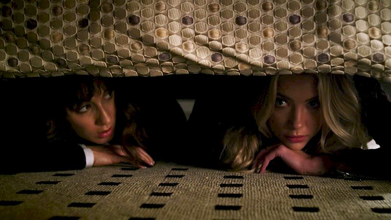 Pretty Little Liars - 13 Signs Your BFF Is Your Spirit Animal - Thumb