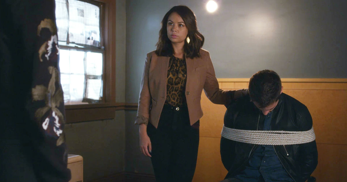 Pretty Little Liars - Your Official Recap For The Summer Finale: The Darkest Knight - 1003