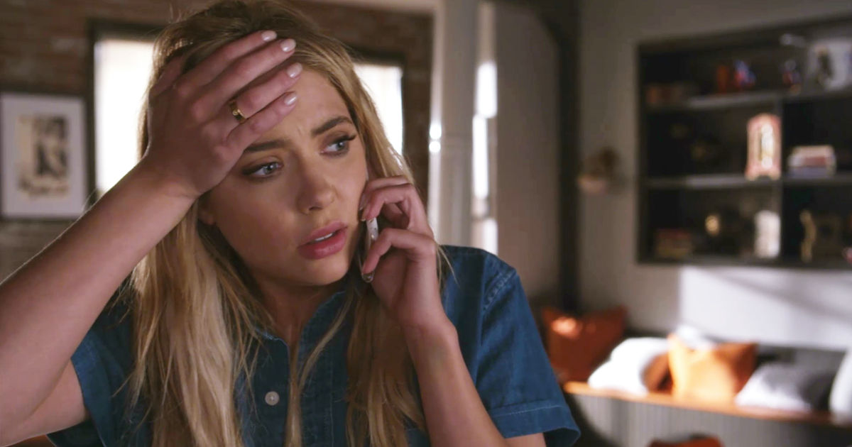 Pretty Little Liars - Your Official Recap For The Summer Finale: The Darkest Knight - 1008