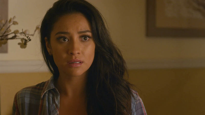 Pretty Little Liars - 9 Signs You Are Not Ready For Adulting - Thumb