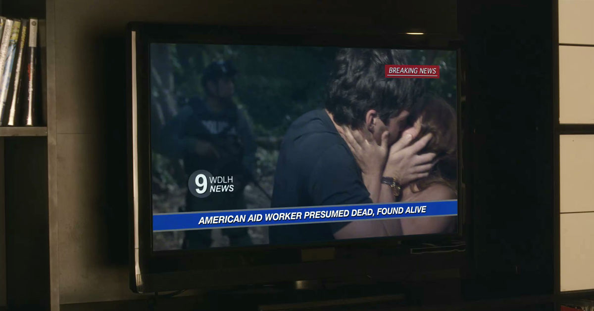 Pretty Little Liars - WOW! Did Ezra Seriously Just Do That To Aria?!  - 1008
