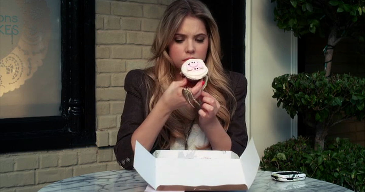 Pretty Little Liars - 10 Things The Liars Were Dealing With Alongside Alison's Investigation In Season 1 - 1010