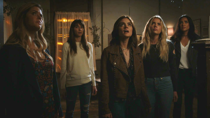 Pretty Little Liars - Submit Your Questions For Your Favorite Liars! - Thumb