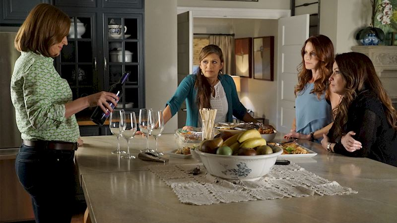 Pretty Little Liars - [POLL] Which PLL Mom Is Most Like You? - Thumb