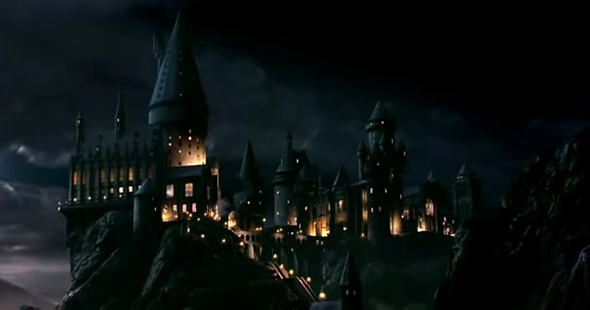 25 Days of Christmas - Merry Christmas! Are You Ready To Go Back To The Wonderful World Of Harry Potter? - 1004