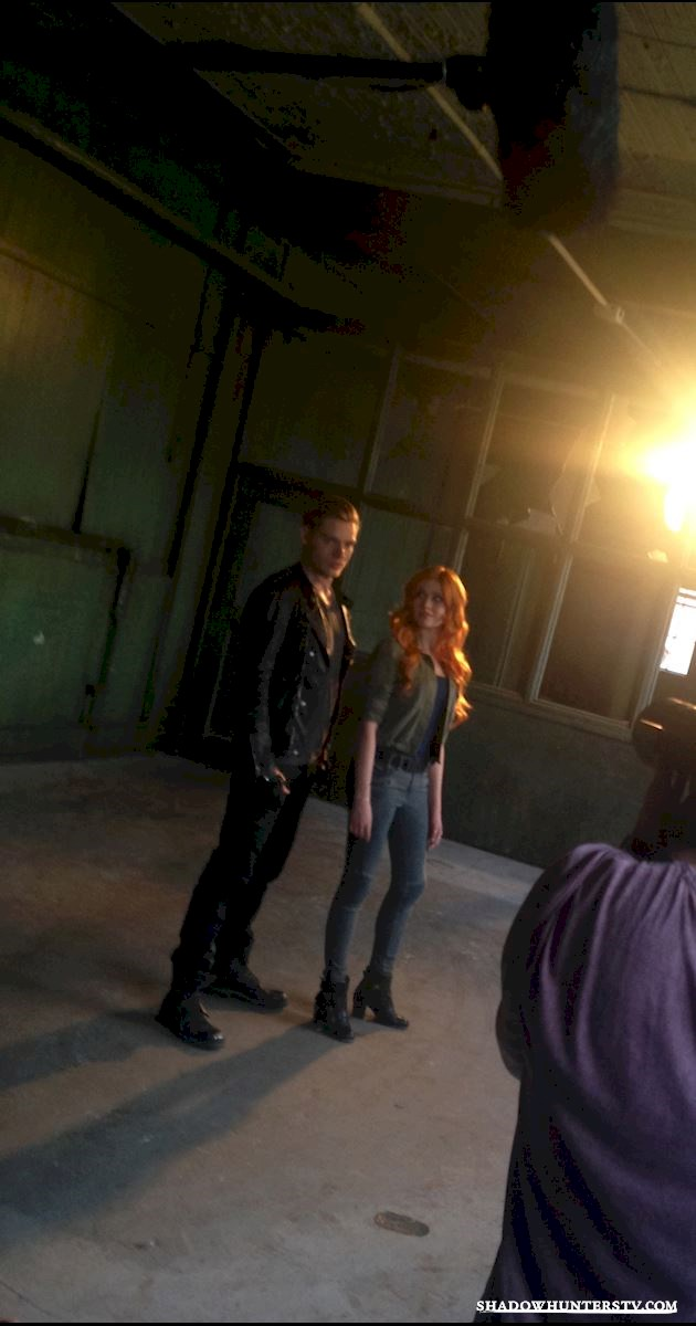 Shadowhunters - [EXCLUSIVE PHOTOS] 4 Reasons Why You Need These Clary And Jace Photos In Your Life! - 1004
