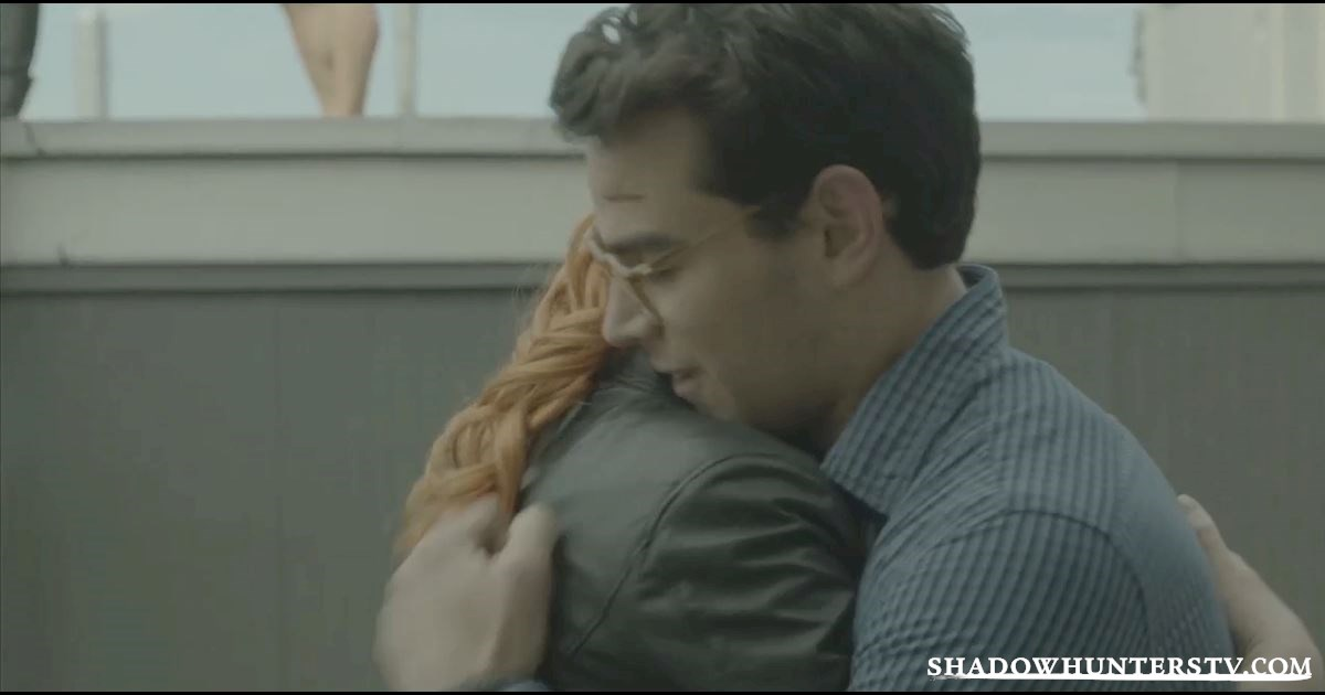 Shadowhunters - 10 Signs Your BFF Is The Simon To Your Clary - 1007