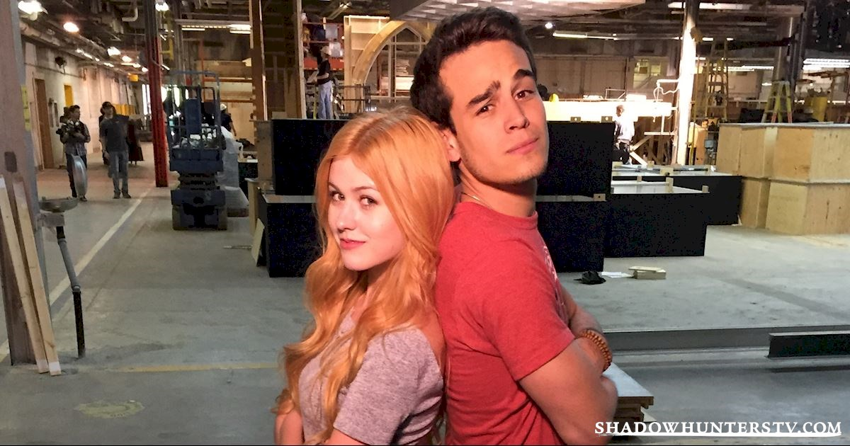 Shadowhunters - 10 Signs Your BFF Is The Simon To Your Clary - 1005