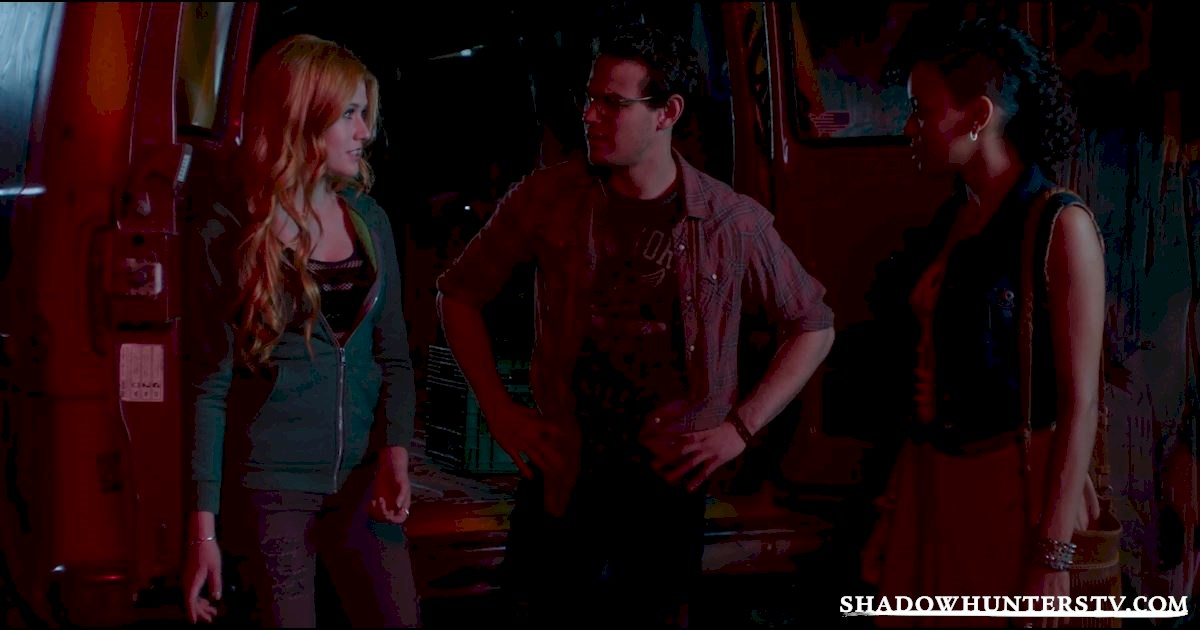 Shadowhunters - 10 Signs Your BFF Is The Simon To Your Clary - 1004