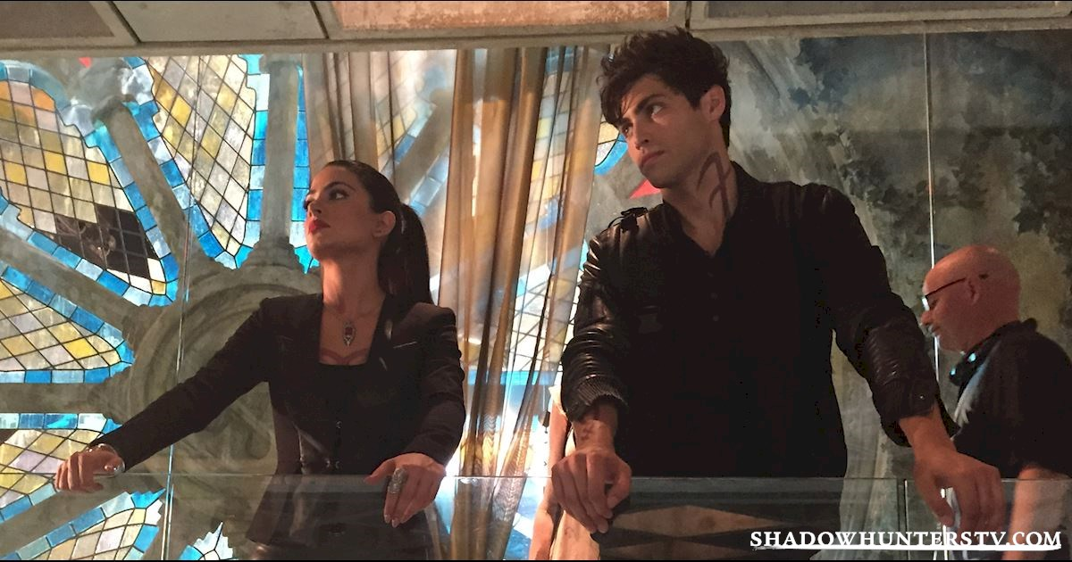 Shadowhunters - 8 Signs You're Totally Isabelle Lightwood - 1002