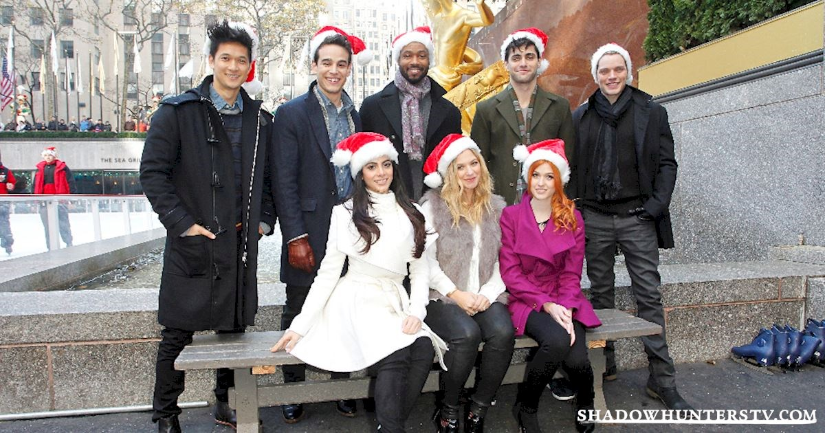 Shadowhunters - The Most Festive Feels From Your Favorite Shadowhunters! - 1010