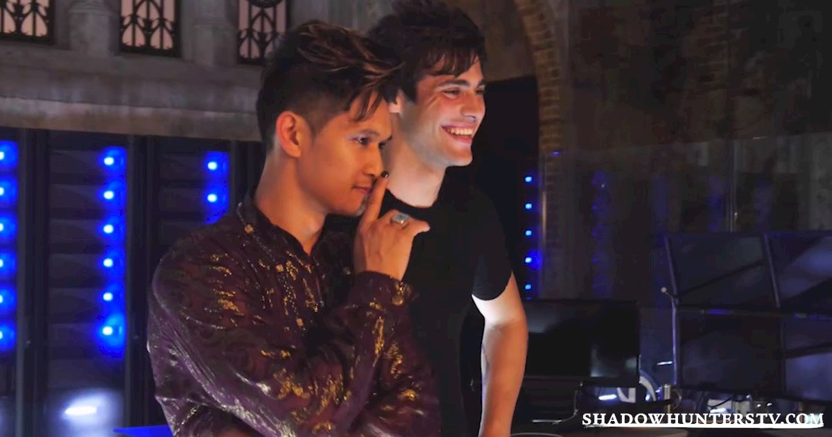 "Shadowhunters - Supersized ""Caption This"" Comment Challenge: Malec And Climon - 1004"