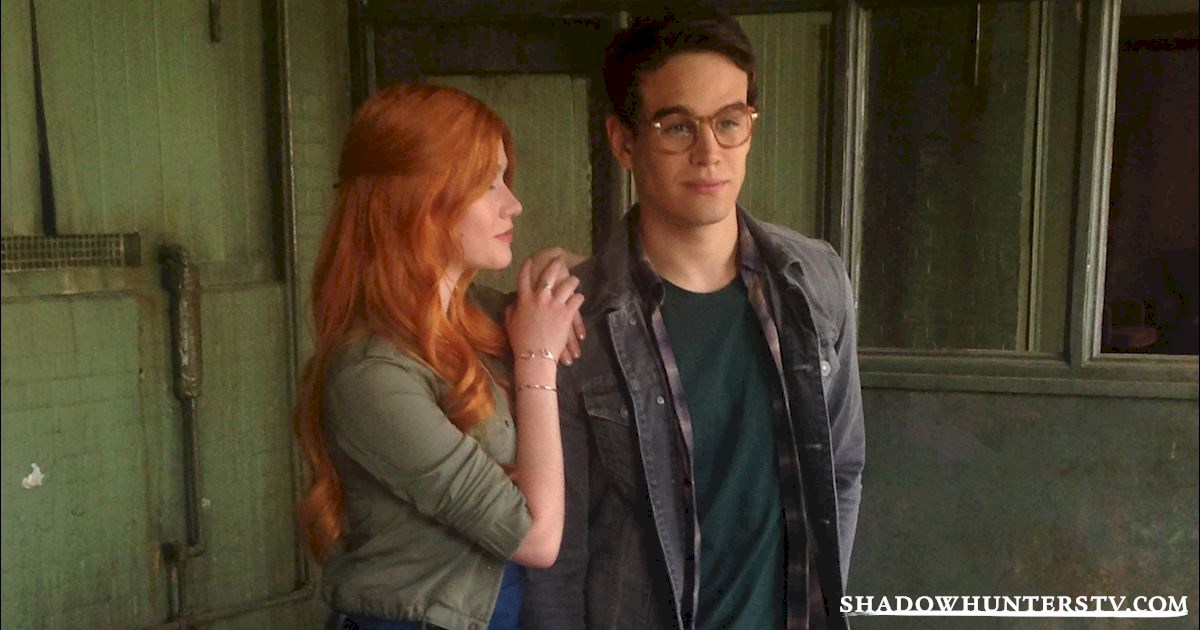 Shadowhunters - Shadow World Love Is Never Easy - 1003