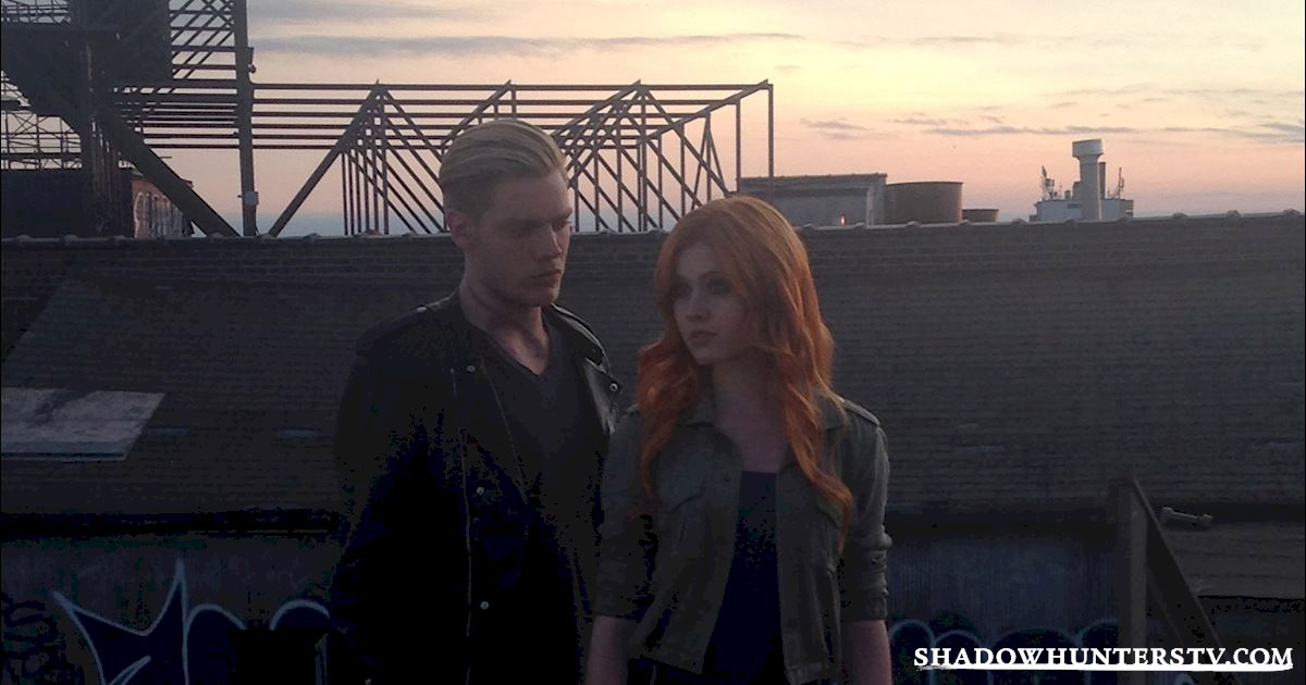 Shadowhunters - Shadow World Love Is Never Easy - 1002