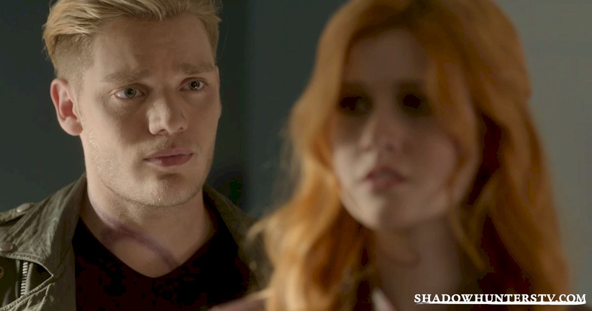 Shadowhunters - 10 Things Only People Who Are Obsessed With Christmas Understand - 1009