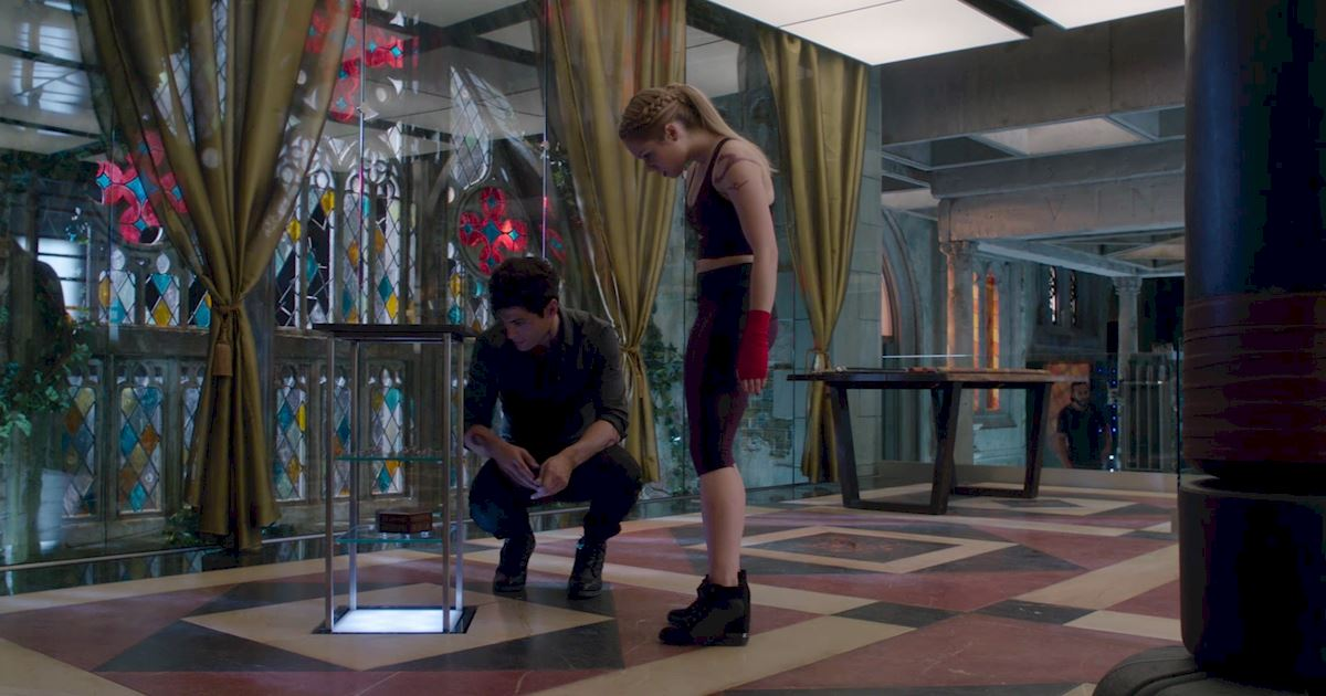 Shadowhunters - 60 Times Izzy And Alec Were Sibling Goals! - 1035