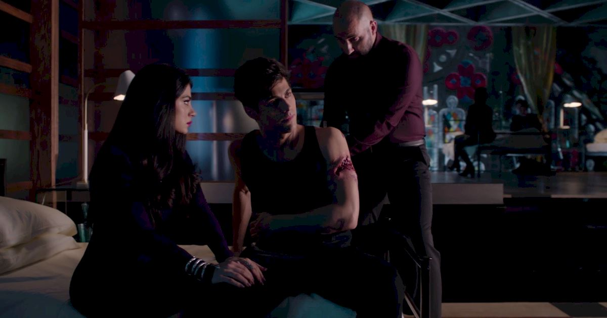 Shadowhunters - 60 Times Izzy And Alec Were Sibling Goals! - 1027