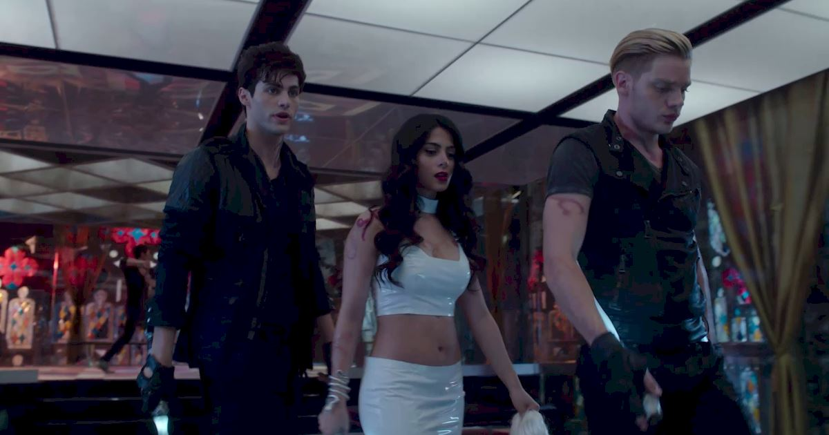 Shadowhunters - 60 Times Izzy And Alec Were Sibling Goals! - 1001