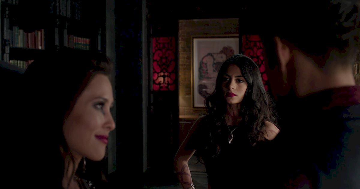 Shadowhunters - 60 Times Izzy And Alec Were Sibling Goals! - 1059