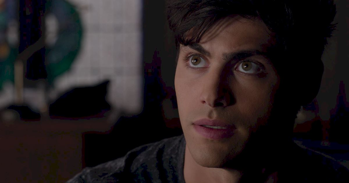 Shadowhunters - 60 Times Izzy And Alec Were Sibling Goals! - 1039