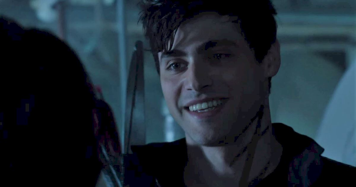 Shadowhunters - 60 Times Izzy And Alec Were Sibling Goals! - 1006
