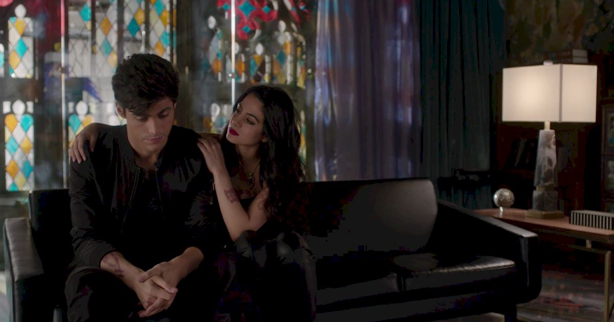 Shadowhunters - 60 Times Izzy And Alec Were Sibling Goals! - 1037