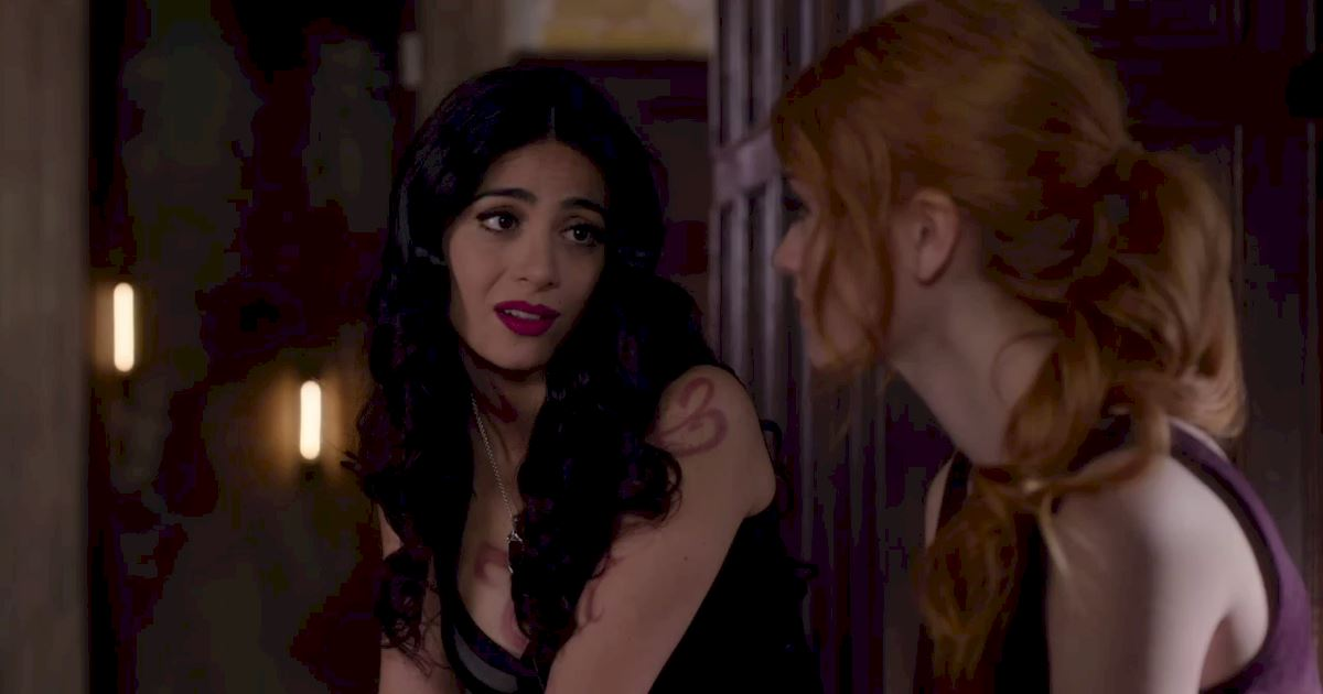 Shadowhunters - 60 Times Izzy And Alec Were Sibling Goals! - 1012