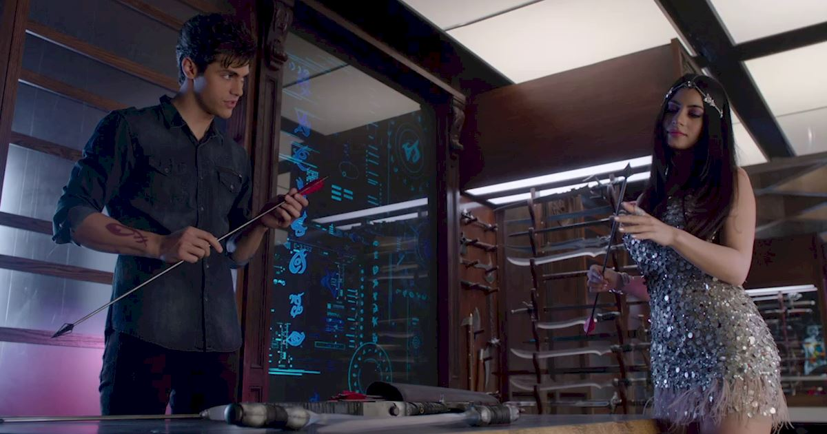 Shadowhunters - 60 Times Izzy And Alec Were Sibling Goals! - 1010