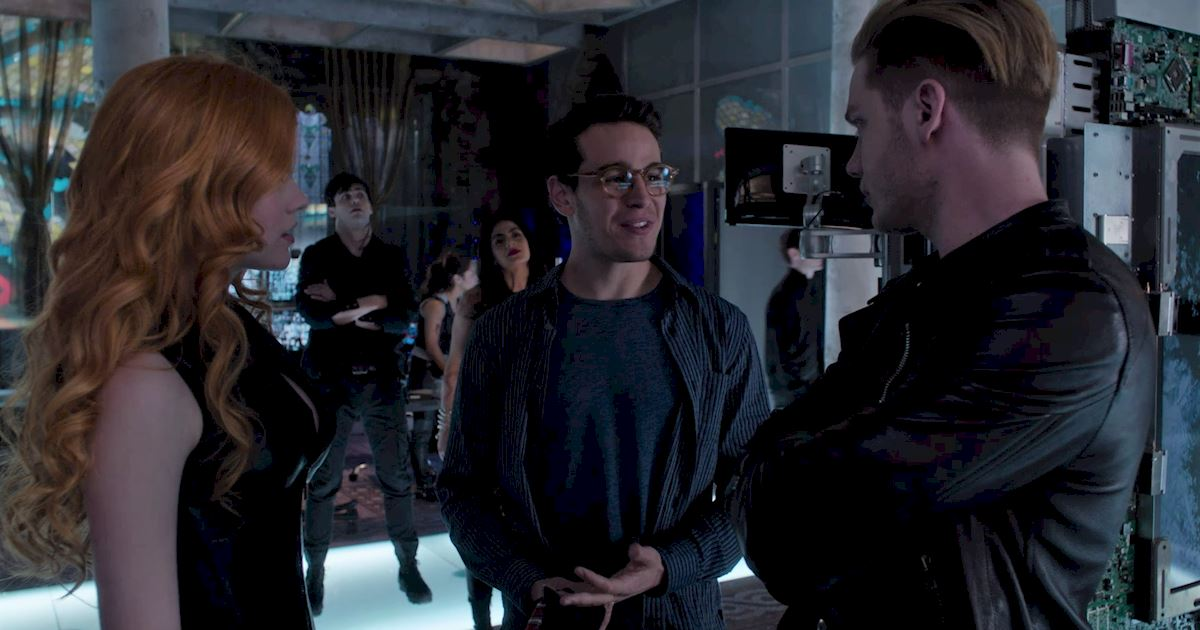 Shadowhunters - 25 Reasons Why Mundane Simon Was An Amazing Friend! - 1011