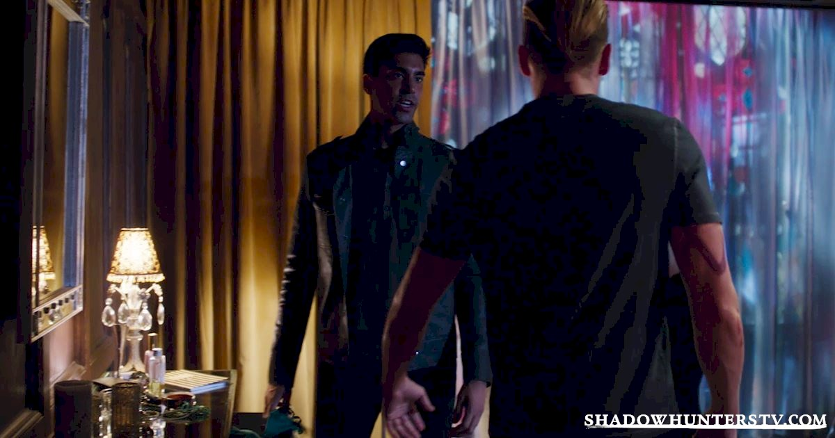 Shadowhunters - 14 Innocent People Who Were Just Trying To Do Their Jobs In The Shadow World! - 1021