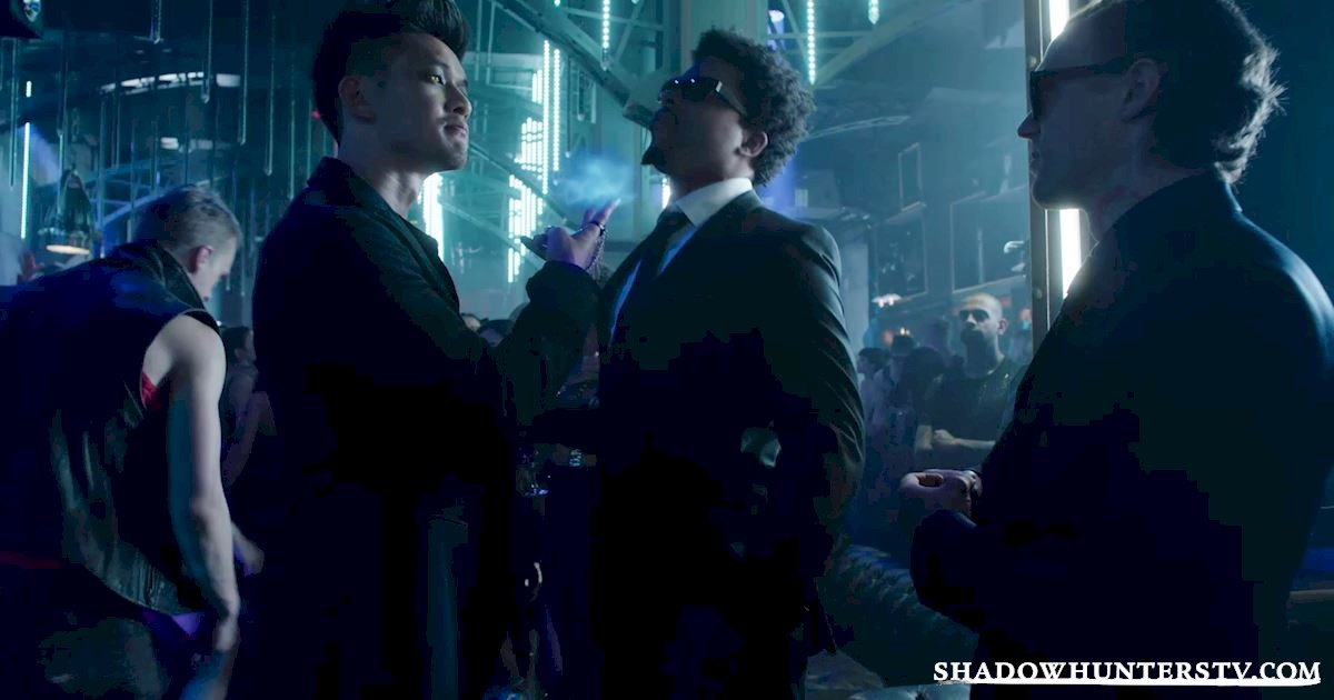 Shadowhunters - 14 Innocent People Who Were Just Trying To Do Their Jobs In The Shadow World! - 1010
