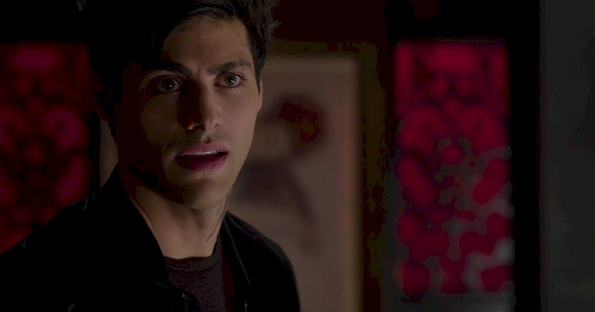 Shadowhunters - The Journey Of Malec Through Season One Is A Total Roller Coaster! - 1043