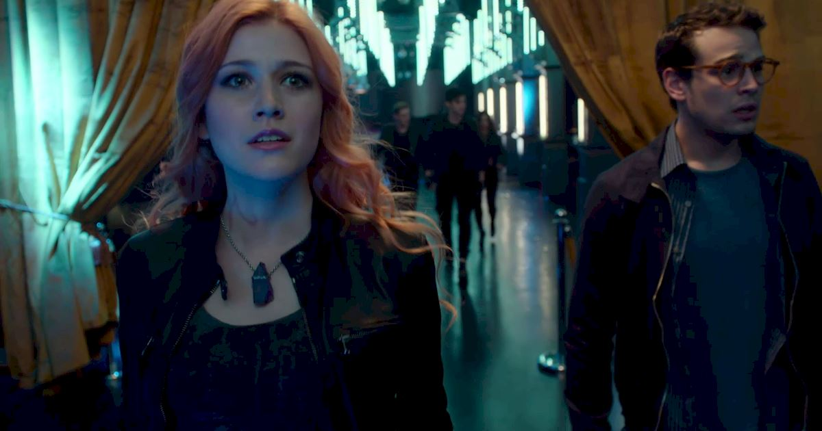 Shadowhunters - 16 Times People Weren't Where They Were Supposed To Be In The Shadow World! - 1003