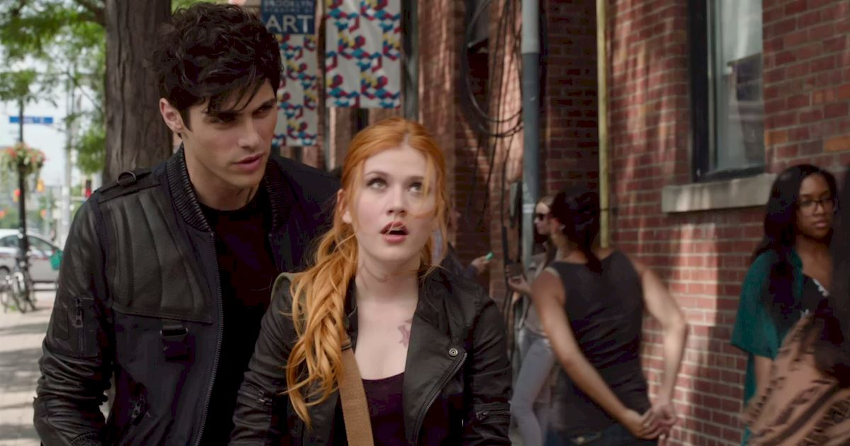 Shadowhunters - 16 Times People Weren't Where They Were Supposed To Be In The Shadow World! - 1004