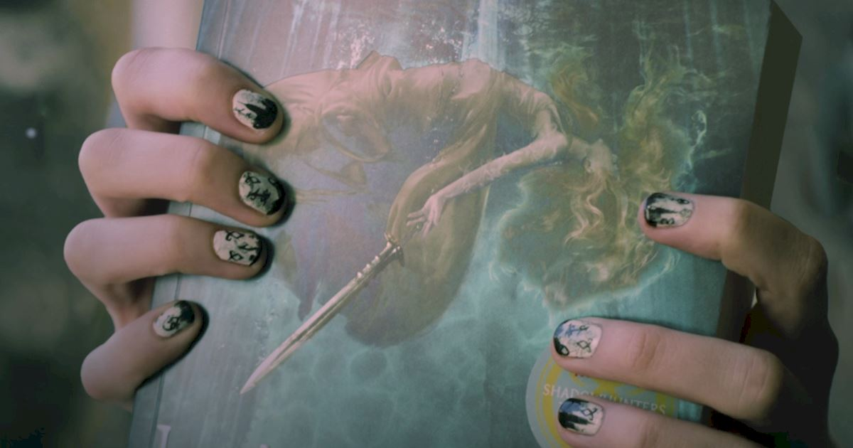 Shadowhunters - Create The Perfect Shadowhunters Manicure with This Nail-Art Tutorial! - 1003
