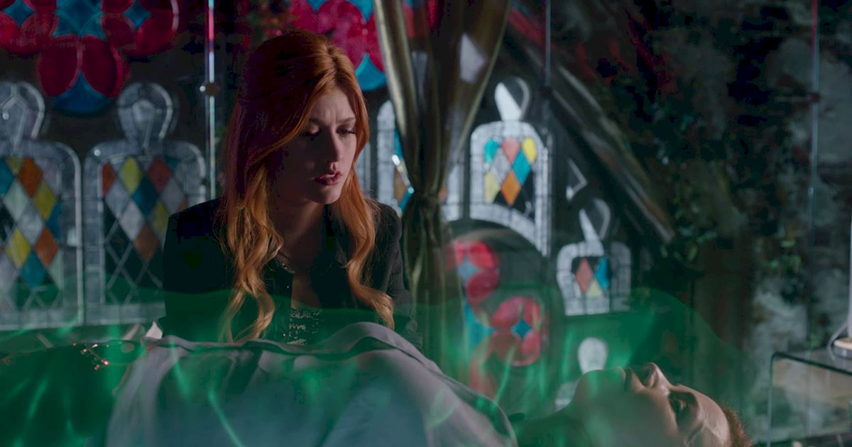 Shadowhunters - 10 Things That People Said to Jocelyn That She'll Never Know About - 1006