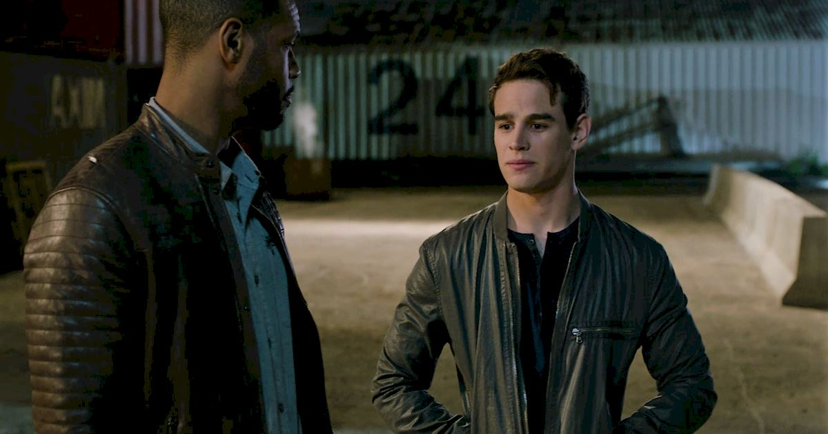 Shadowhunters - 15 Times Luke And Simon Had The Most Beautiful And Pure Bromance! - 1009