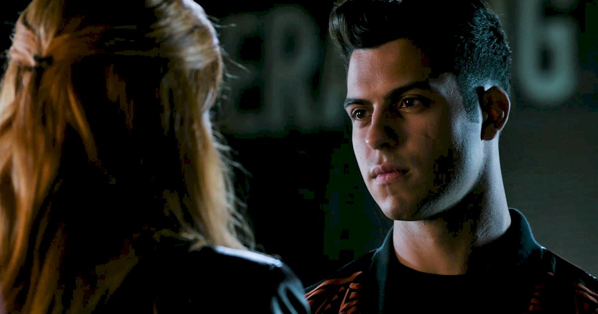 Shadowhunters - 15 Times Luke And Simon Had The Most Beautiful And Pure Bromance! - 1005