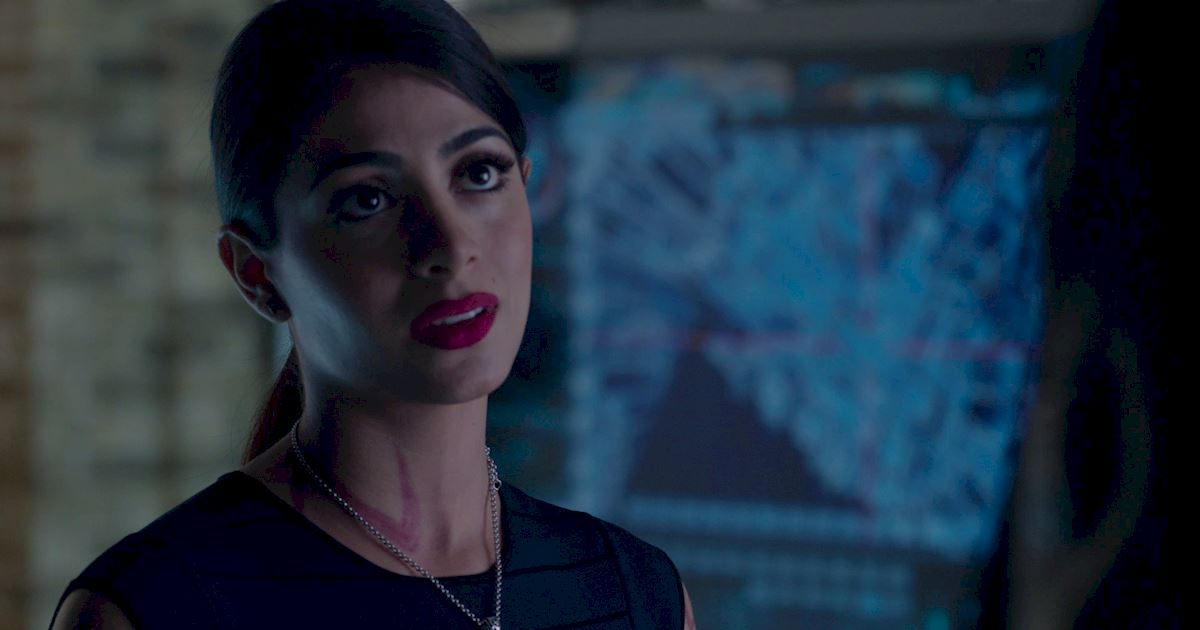 Shadowhunters - 23 Times That Isabelle Lightwood Was A Total Boss! - 1013
