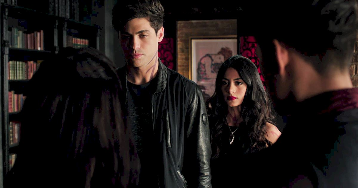 Shadowhunters - 23 Times That Isabelle Lightwood Was A Total Boss! - 1026