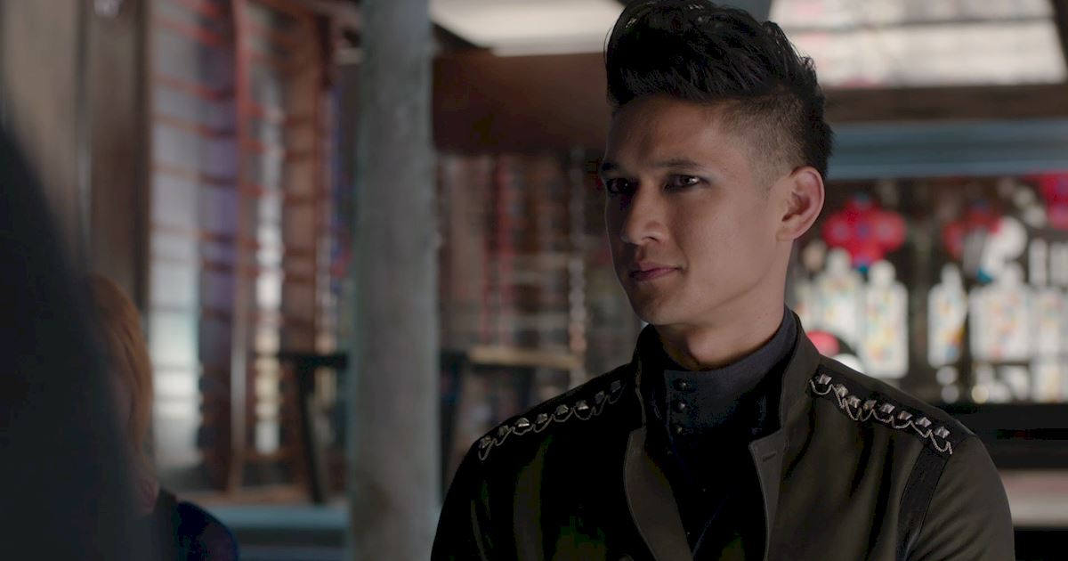 Shadowhunters - 14 Reasons Why Your Parents Should Be Thrilled To Have Magnus As Their Son-In-Law! - 1013