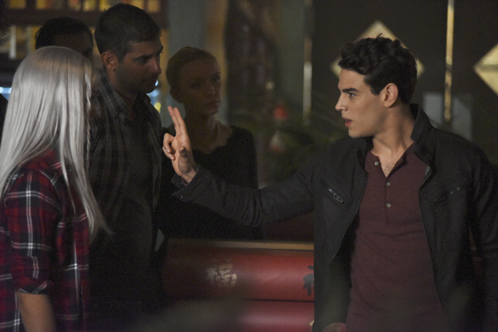 Shadowhunters - Official Photos Of Episode 201: This Guilty Blood! Check Out Shirtless Magnus! - 1001