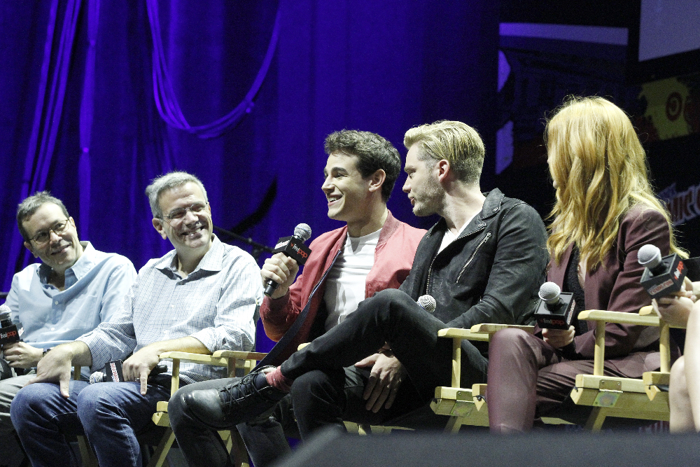 Shadowhunters - The Shadowhunters Stars Were At NYCC And We've Got The Photos To Prove It! - 1018